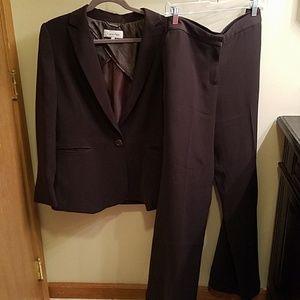 Calvin Klein Womans Suit Set